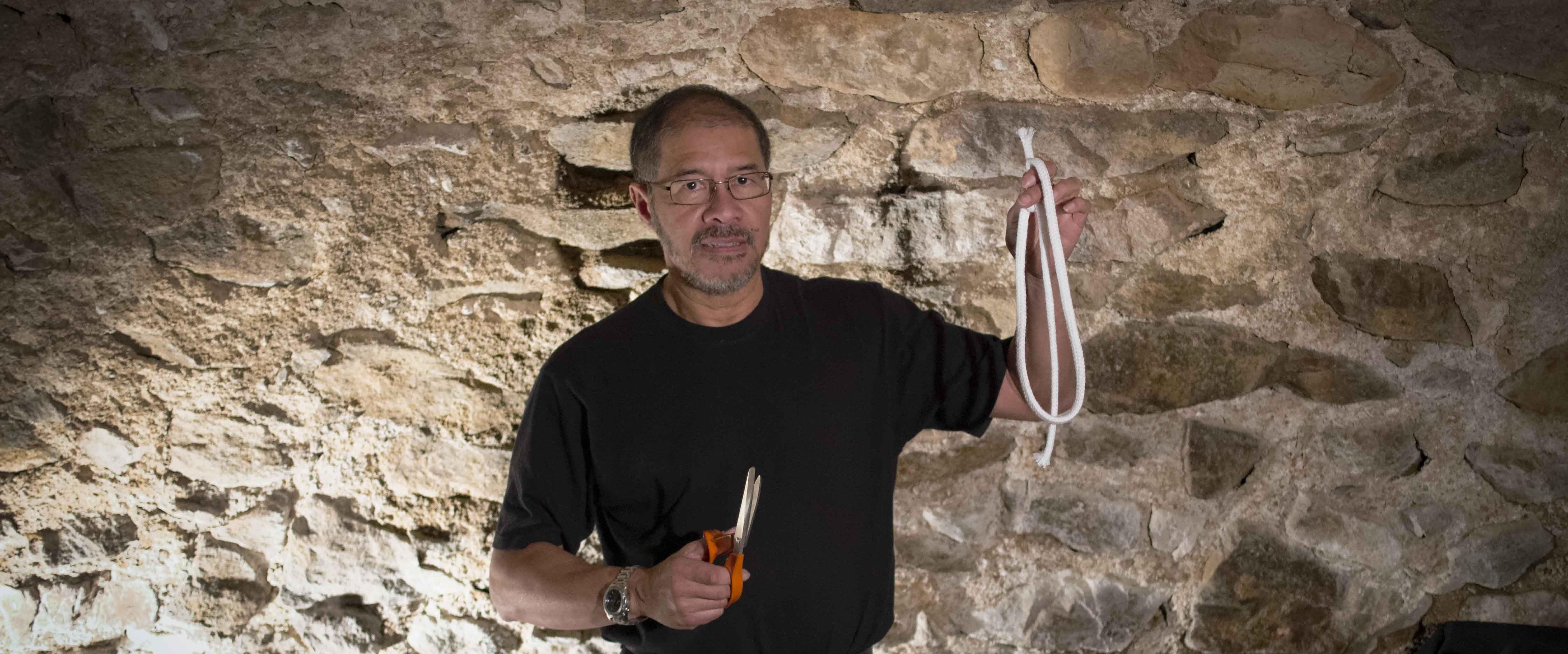 Félix, magicien et propriétaire de chambres d'hôtes et de gîtes - Le Domaine de l'Abéale, dans l'Ardèche