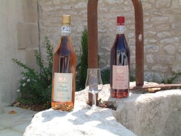 Des bouteilles de Pineau