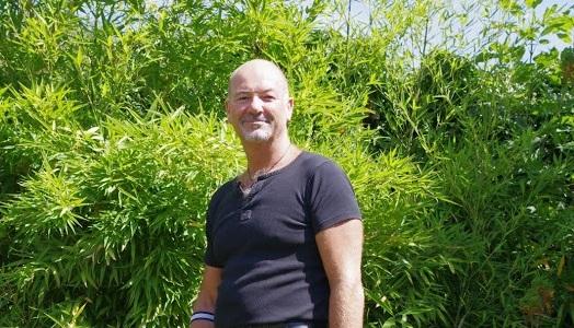 Jean-Pierre est propriétaire de chambres d'hôtes dans le Doubs