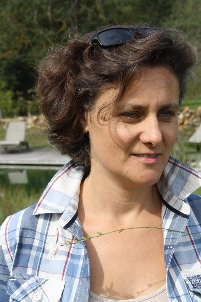 Fabienne vous accueille en toute convivialité au Hameau du Quercy
