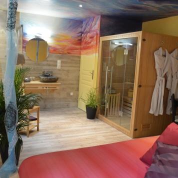 """Le sauna et la douche dans la chambre """"Fée des rêves"""""""