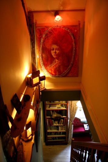 On retrouve dans la maison plusieurs tableaux de Pierre-Yves