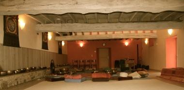 Une salle pour les exercices de relaxation