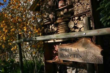 L'hôtel à insectes, pour attirer les insectes utiles au jardin