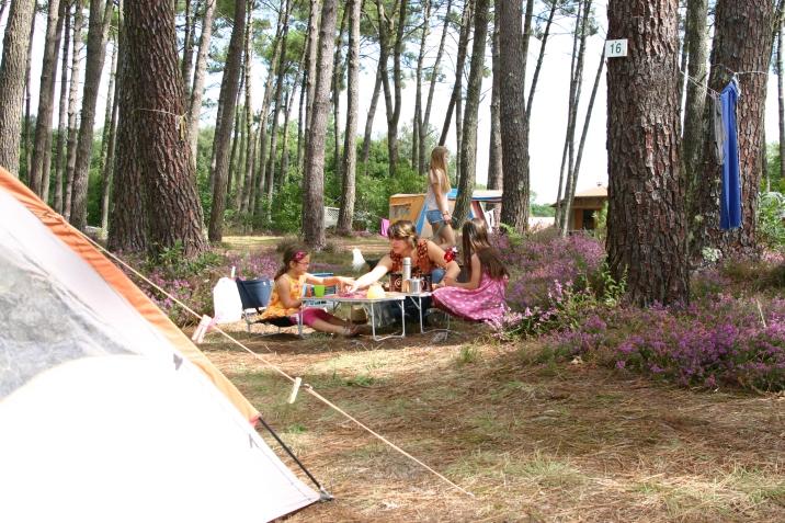 """Le camping et ses déjeuners """"à la bonne franquette"""""""