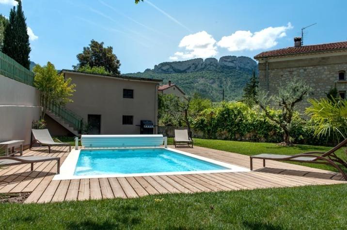 La piscine, idéale en cas de fortes chaleurs