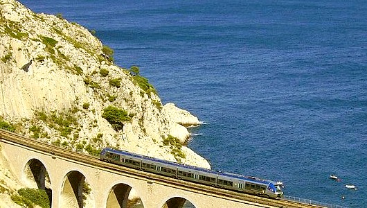 Le train bleu du littoral marseillais