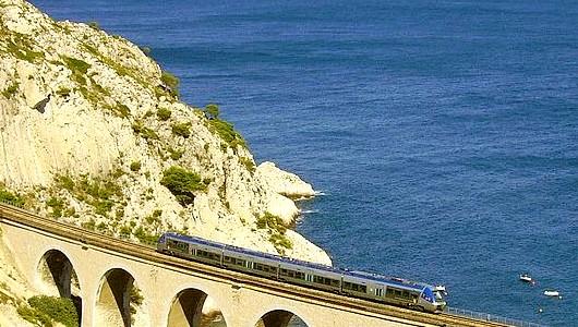 Le train bleu du littoral marseillais