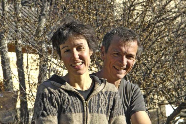 Mélanie et Laurent, propriétaires de deux écogîtes dans les Hautes-Alpes