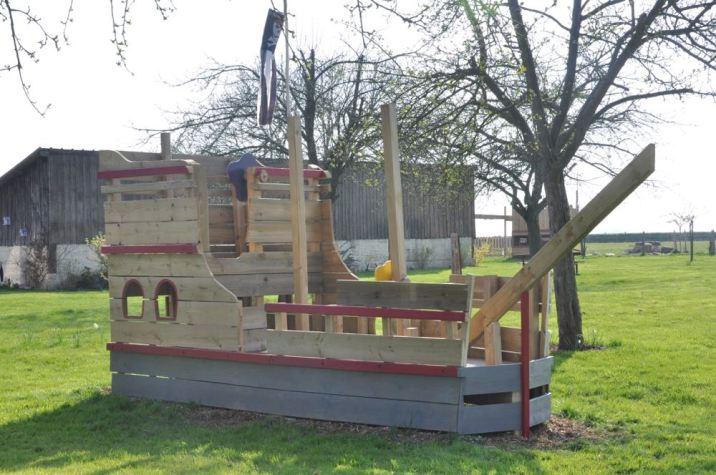 Le bateau pirate dans le jardin