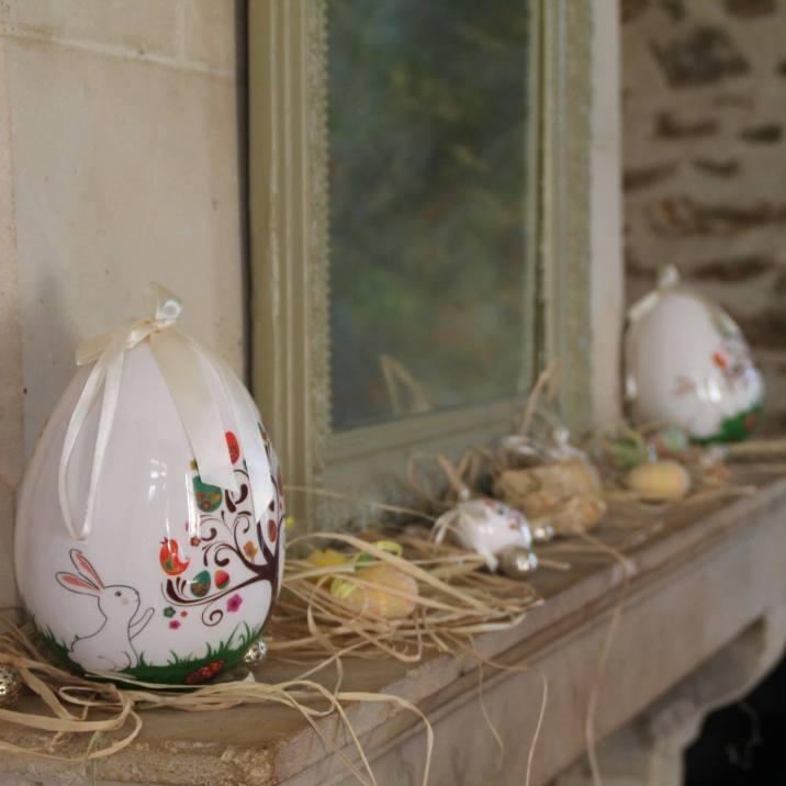 Julie aime décorer avec soin sa maison selon les saisons et événements