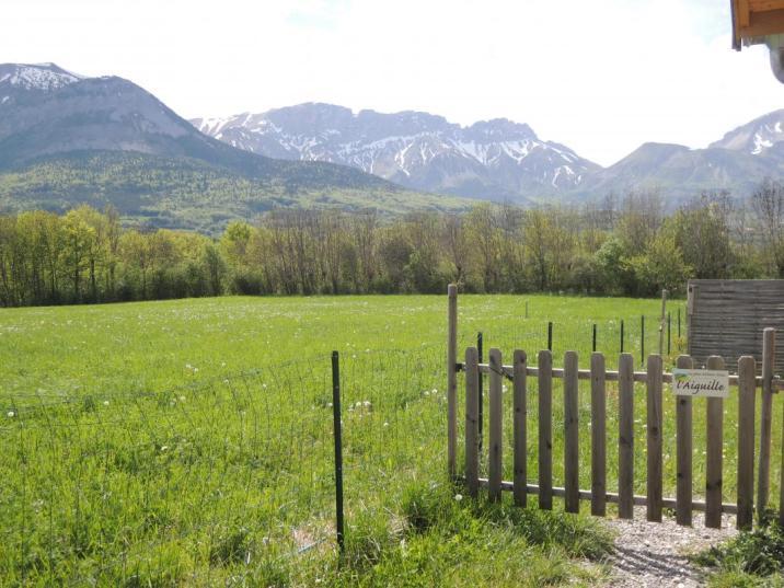 La vue sur les montagnes depuis les gîtes de Valérie